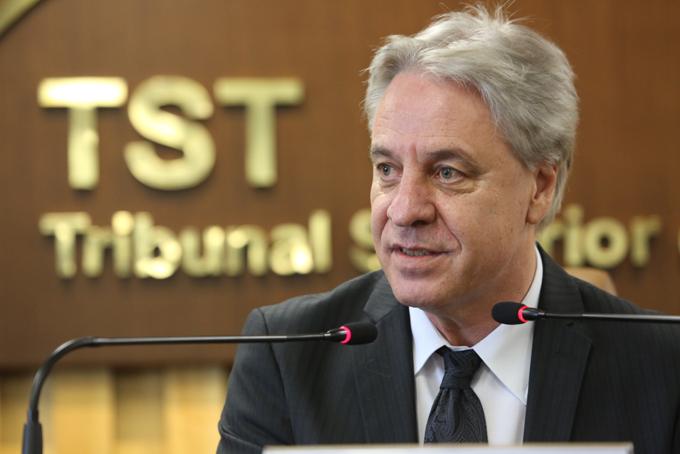 Novo presidente do TST foca a redução do volume de trabalho no tribunal