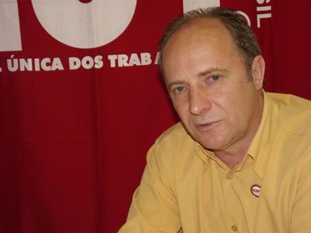 É preciso acabar com o imposto sindical, diz Celso da CUT-RS