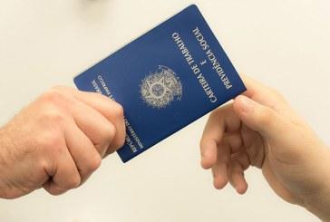 Risco de demissão de brasileiros caiu 61% em 10 anos, diz BC