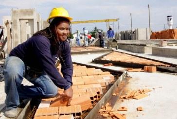 Mulheres na construção civil mudam cultura do canteiro de obras, diz engenheira