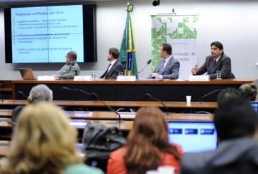 MEC reconhece dificuldades dos estados para pagar piso salarial de professores