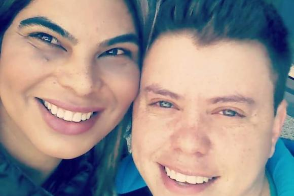 """""""Se fosse pela escola, eu teria desistido de estudar no prezinho"""", diz Laysa Machado, que namora o trans David Zimmermann. Fotografia: Arquivo pessoal"""