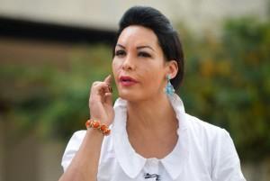 Aline Marques conta que abandonou a escola ainda criança e entrou para a prostituição aos 17 anos. Hoje, aos 37, comemora o fato de ter saído das ruas há 7 meses. Fotografia: Wilson Dias/Agência Brasil