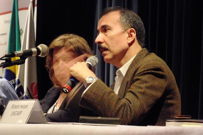 Assédio moral mercantiliza serviço público, afirma pesquisador da Unicamp