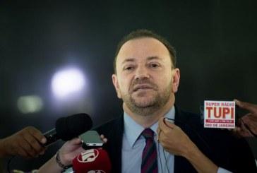 Ministro diz que greve dos caminhoneiros busca desgaste político do governo