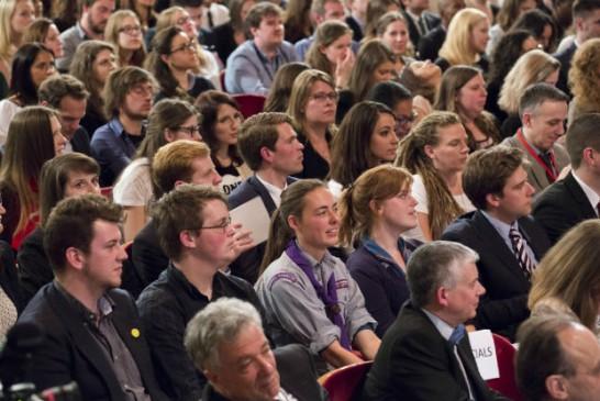 OIT: desemprego global de jovens vai atingir 71 milhões em 2016