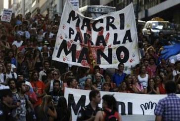Trabalhadores argentinos ameaçam decretar greve geral contra Macri