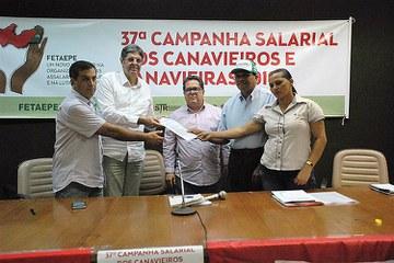 Canavieiros estão apreensivos com o provável fim da política de valorização. Fotografia: Divulgação/FETA PE