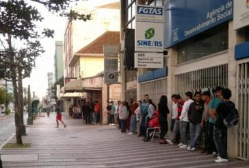 Queda na renda e aumento do desemprego apontam cenário 'perverso' na economia