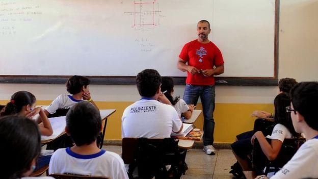 No Brasil, professores lecionam em média 42 semanas anuais. Fotografia: Arquivo/EBC