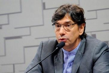 Flexibilizar não traz emprego, diz Pochmann a comissão do Senado