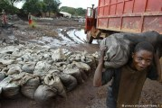 Milhões de crianças continuam a ser forçadas a trabalhar