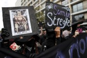 Franceses fazem greve geral contra reforma trabalhista de Emmanuel Macron