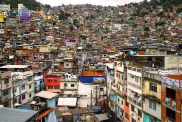 IBGE: metade da população brasileira vive com menos de um salário mínimo