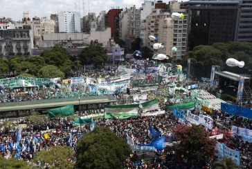 Sindicatos protestam na Argentina contra políticas de Macri