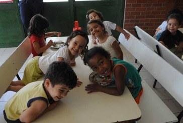 Luta por creches, feminista e descolonizadora