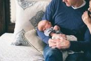 França estuda aumentar o tempo da licença paternidade