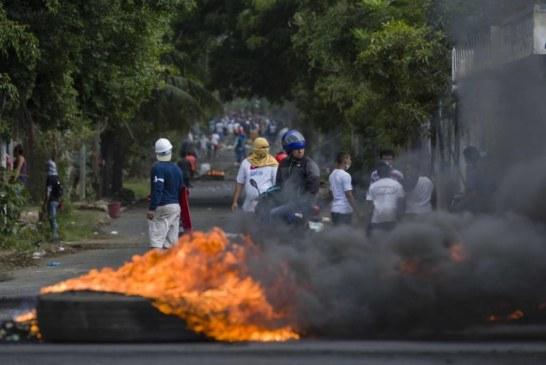 Nicarágua: Presidente recua perante onda de protestos
