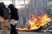 Paris vive protestos violentos contra reformas de Macron