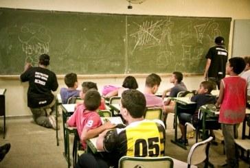 Os ataques privatistas à educação