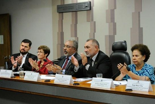 Subcomissão apresenta primeira versão do Estatuto do Trabalho