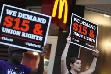 Quase 80% dos trabalhadores dos EUA vivem de salário em salário. Aqui está o porquê