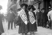 22 de novembro de 1909: Tem início a Greve das 20 mil, importante paralisação de trabalhadoras mulheres