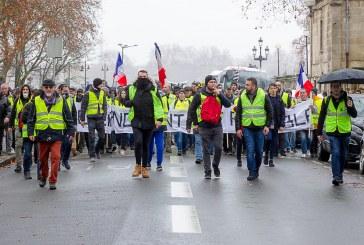 Os 'coletes amarelos'. Um movimento que marcou a vida política francesa. Entrevista com Ruy Fausto