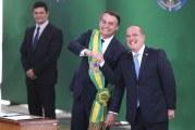 Bolsonaro tira R$ 104 por ano de 67 milhões de trabalhadores com novo salário mínimo
