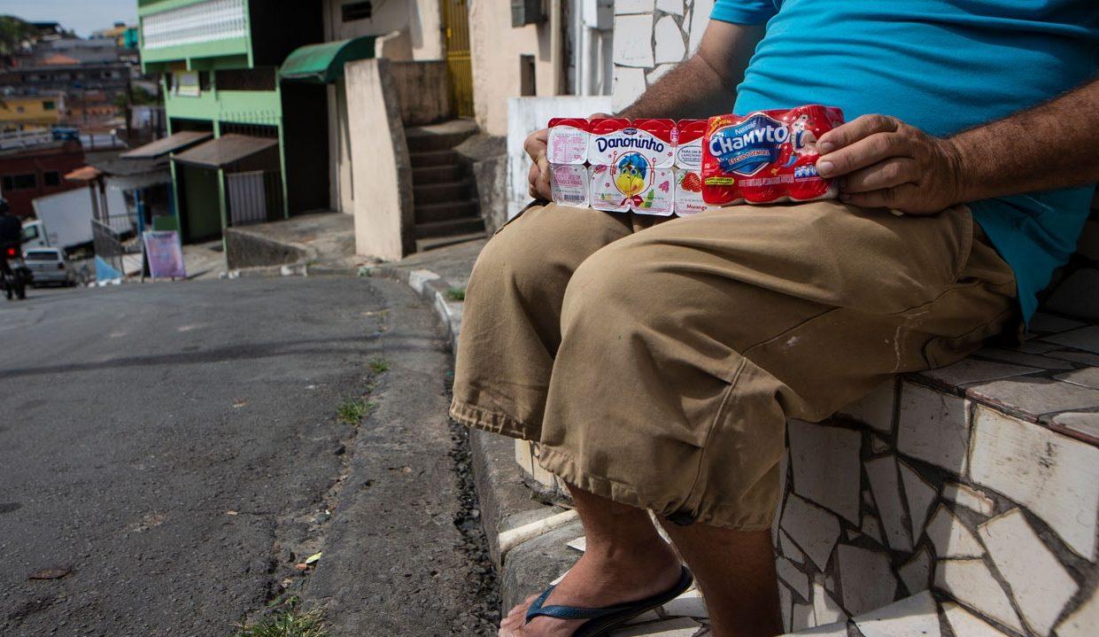 Iogurtes quase vencidos da Danone e Nestlé são vendidos com trabalho escravo