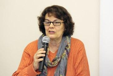 """Leda Paulani: """"reforma"""" fará sofrer os que já estão e os que virão"""