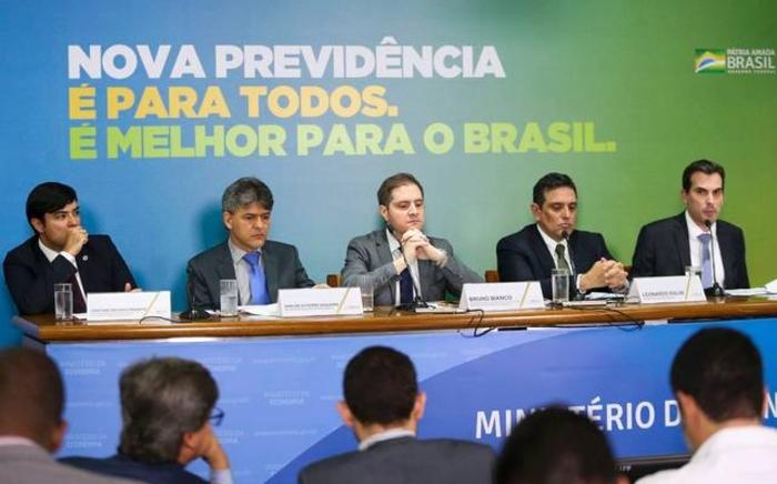 Empresas ligadas a deputados devem R$ 172 milhões à Previdência