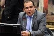 Centrais repudiam relator da PEC da Previdência: 'Desmantelamento'
