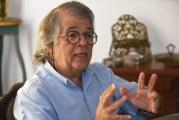 """""""Trabalho precário, intermitente, é a antessala do desemprego"""", diz Ricardo Antunes"""