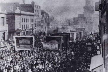 14 de agosto de 1889: tem início a greve nas docas em Londres, decisiva para a consolidação do movimento de trabalhadores no Reino Unido