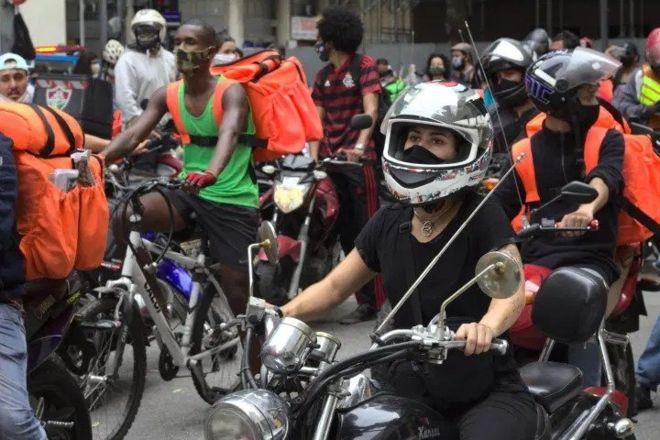 Rede de Mídia Classista – Eduarda Alberto – entregadores por aplicativo – uberizacao – motociclista
