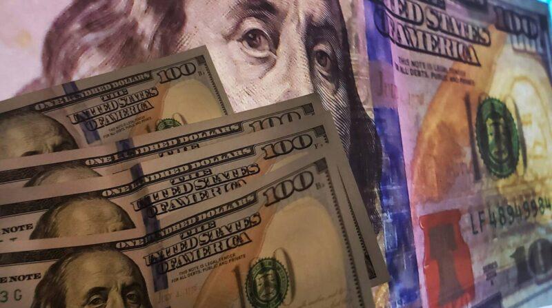 Fotos publicas – Araujo – dinheiro – dolares