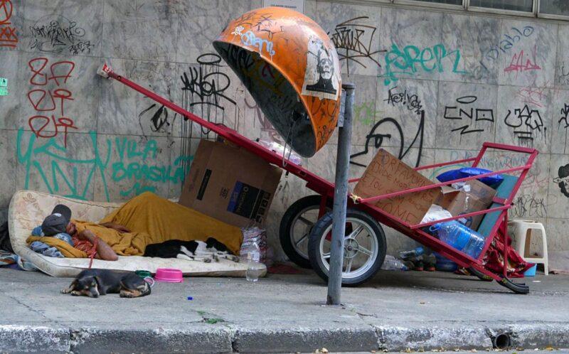Fotos Publicas – Araujo – morador de rua – pobreza